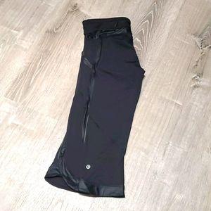 Lululemon athletica black detail capris size 8